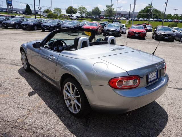 used 2010 mazda mx 5 miata grand touring grand touring 2dr. Black Bedroom Furniture Sets. Home Design Ideas